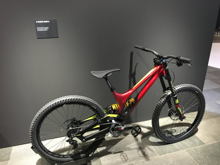 2e4fb46663a 2017 Specialized S-Works Demo 8 - Oxford Locals Free On-Line ...